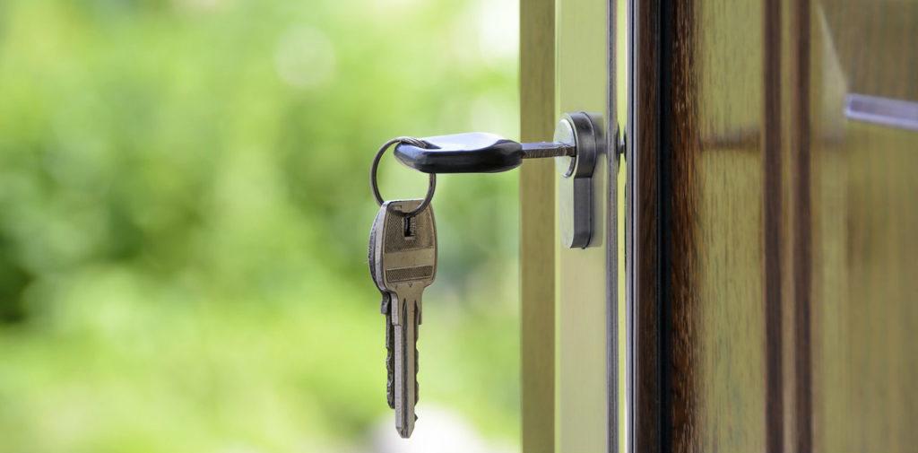 Come proteggere la casa prima di andare in vacanza