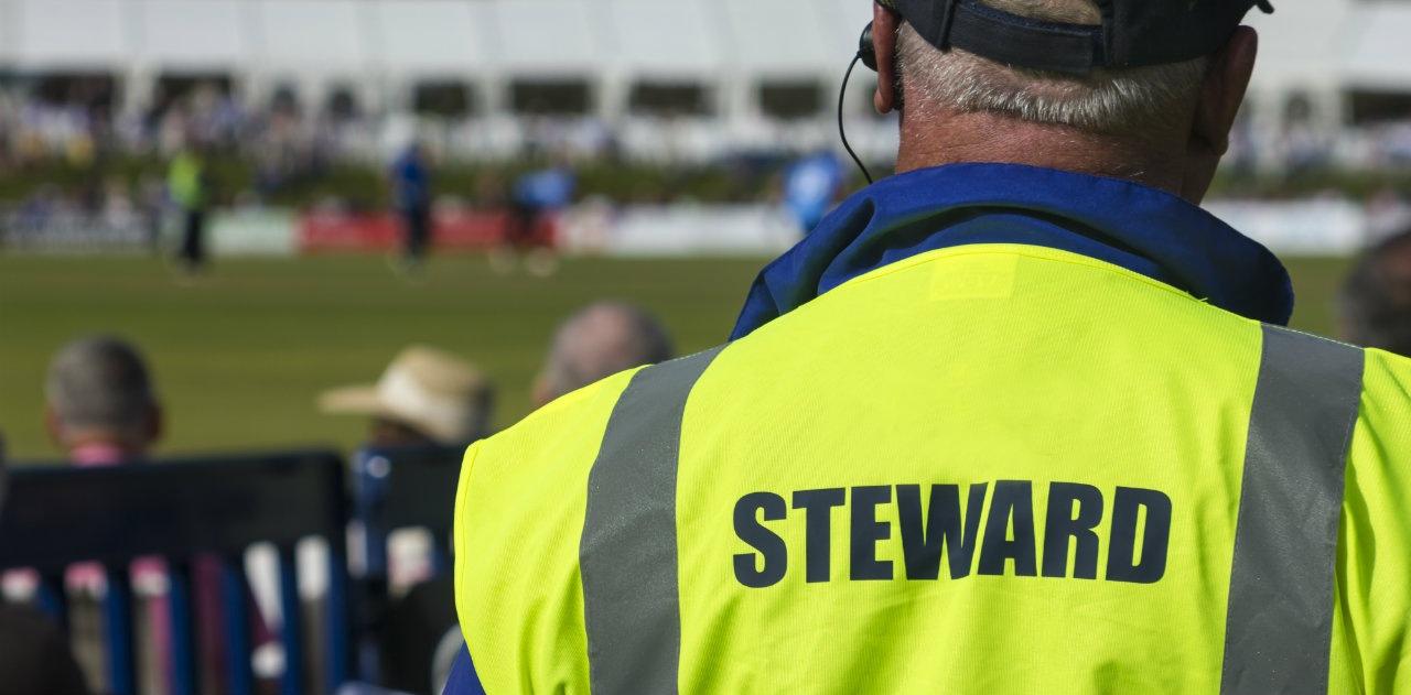 sicurezza negli stadi steward